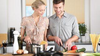 夫婦で料理の写真