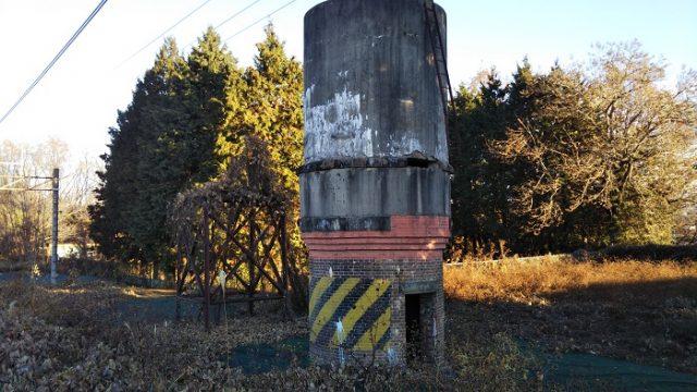 JR中央線:日野春駅の給水塔を撮影した画像