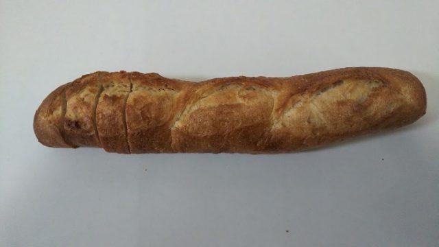ベーカリー・デッセムさんのフランスパンを撮影した写真
