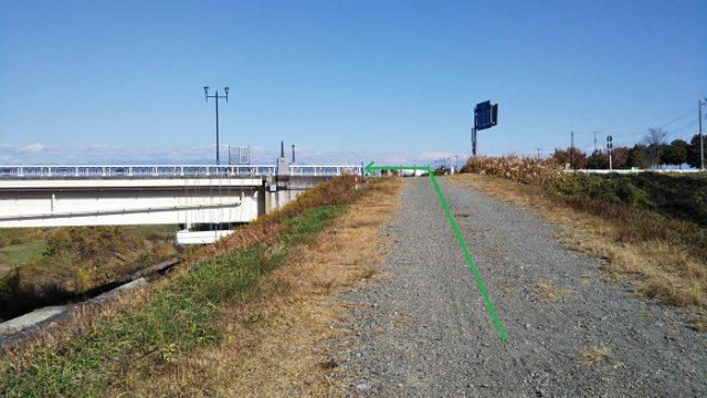 富士川大橋に進む場所を撮影した画像