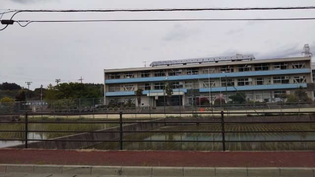 武川中学校の校舎を撮影した写真