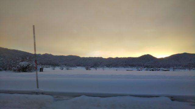 白馬村の夜明けを撮影した写真