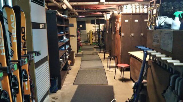 ロッカールム内部を撮影した写真
