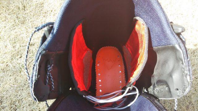 バートンのブーツ(スワス)の内部を撮影した写真
